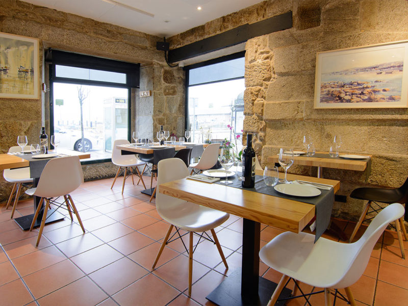 Esquina restaurante taberna Pazo mendoza Baiona
