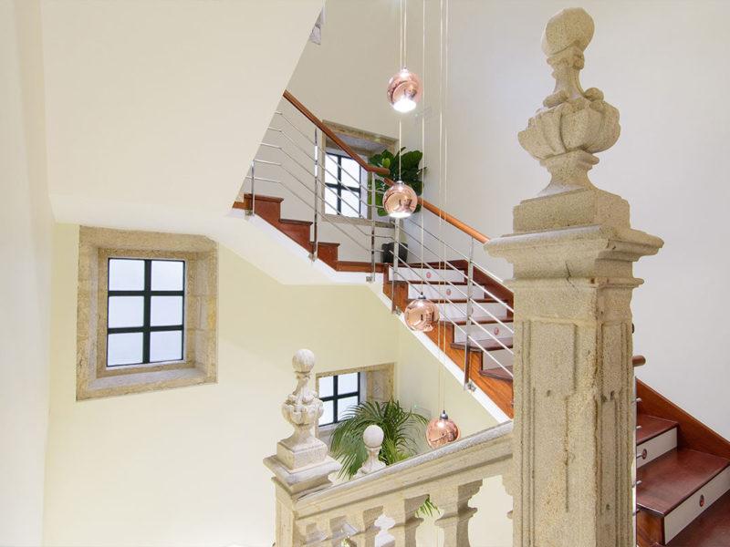 Escaleras hotel Baiona Mendoza